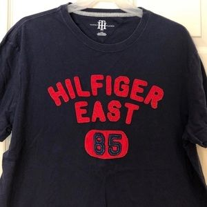 🇺🇸 Tommy Hilfiger Large T Shirt Spell Out logo